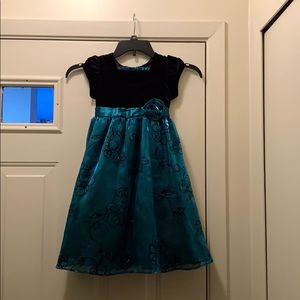Jona Michelle Girls Size 5 Pre Owned